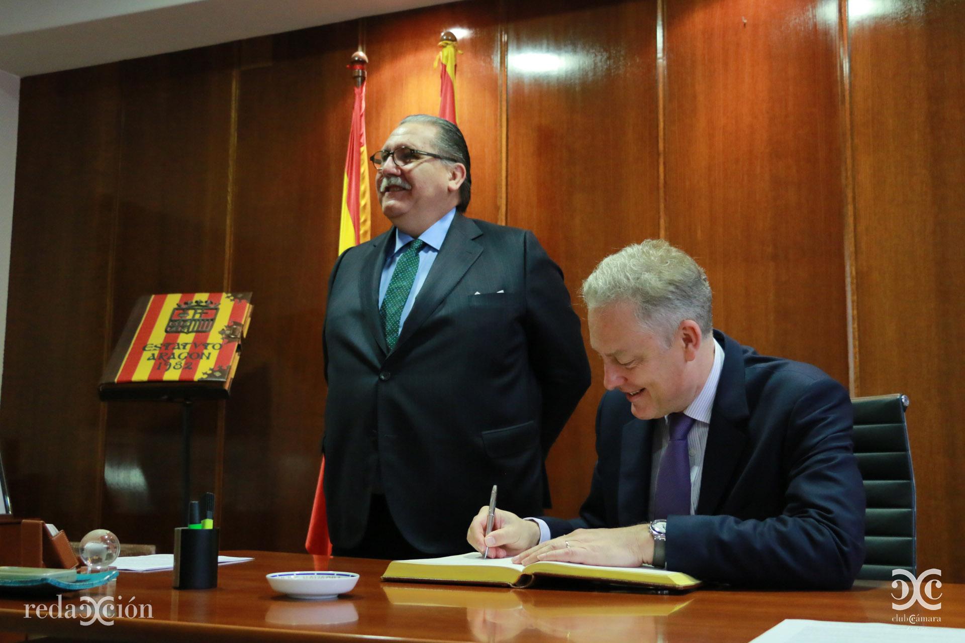 Manuel Teruel y Simon Manley.