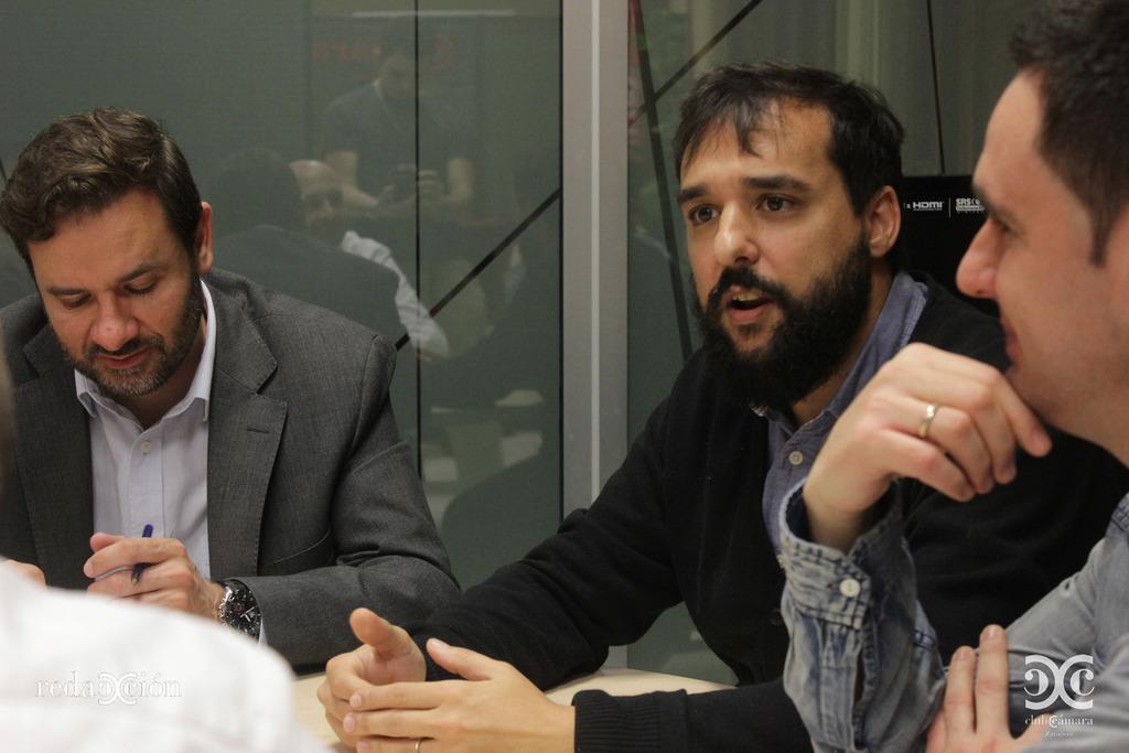 Raúl Oliván y Javier Fernández, de Zaragoza Activa. Fotos: Arturo Gascón.
