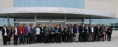 Foto de grupo de la visita a Mann+Hummel. Foto: Aragón Empresa