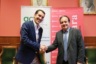 Pablo Galiana, director de la división Dynamics de Microsoft Ibérica, junto a José Miguel Sánchez, director general de Cámara.