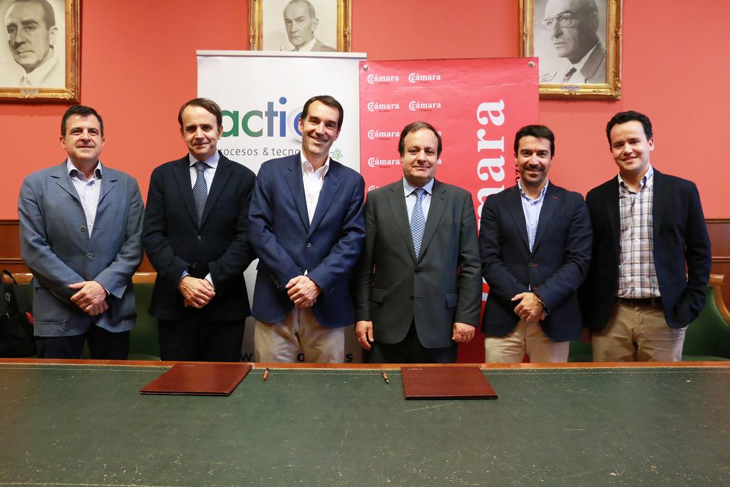 De izda. a dcha.: Narciso Samaniego (Cámara Zaragoza), Ignacio Solanilla (Director de Actio), Pablo Galiana (Microsoft), José Miguel Sánchez, Javier Retornano (Gerente de Actio), Nacho Peláez.