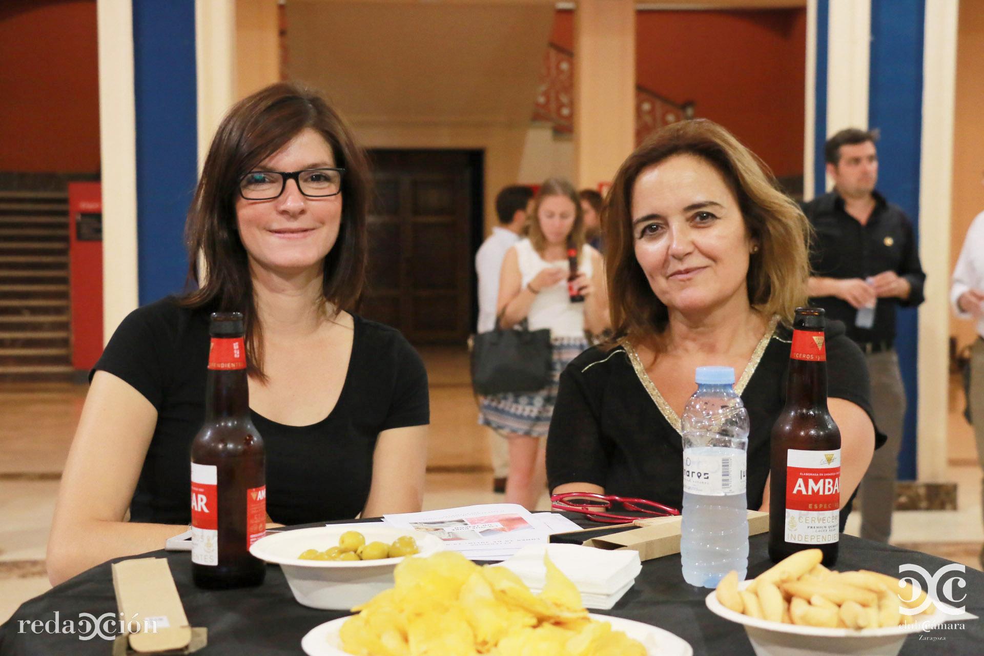 Anne Lise Ghirardi y Gloria Gálvez.