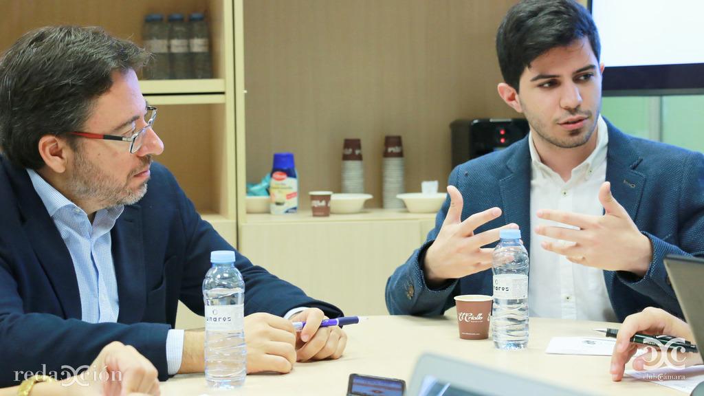 David Romeral (CAAR) y Álvaro García (Motostudent Unizar). Fotos: Arturo Gascón.