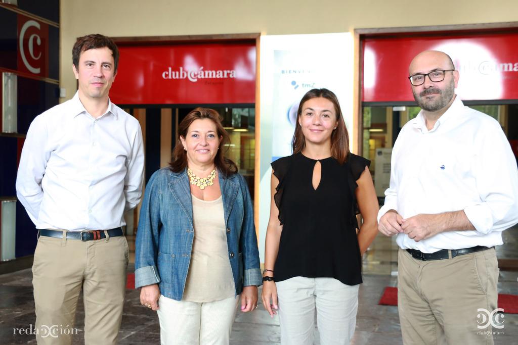Ramón Adé, manager de TMZ; Nieves Ágreda directora del Área de Internacional de Cámara Zaragoza; Silvia Martínez, responsable comercial de TMZ, y Ramón Añaños, de Redacción Club.