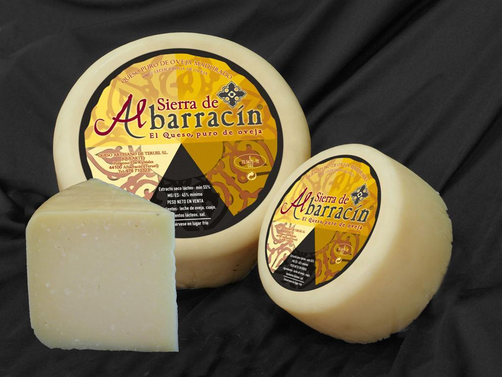 sheep_pecorino_hard_cheese_black_label_albarracin_spain