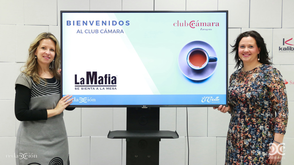 Loli Requelme, Elena Corzán, La Mafia se sienta a la mesa