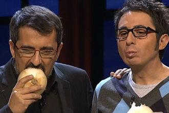 Andreu Buenafuente le dio un buen mordisco a la cebolla de Fuentes de Jumosol.
