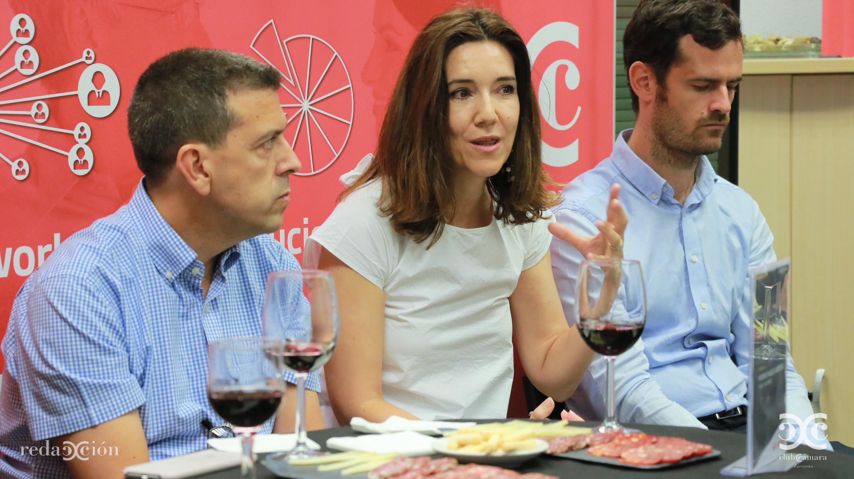 Paula Sánchez, Serlog