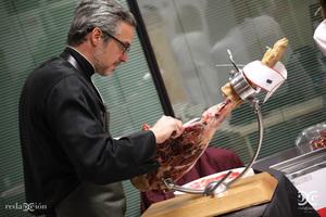 Iván Martínez, cortador de jamón
